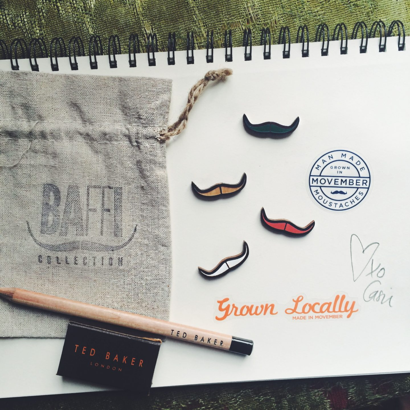 Fashion | BaffiCollection Wooden Lapels for Movember