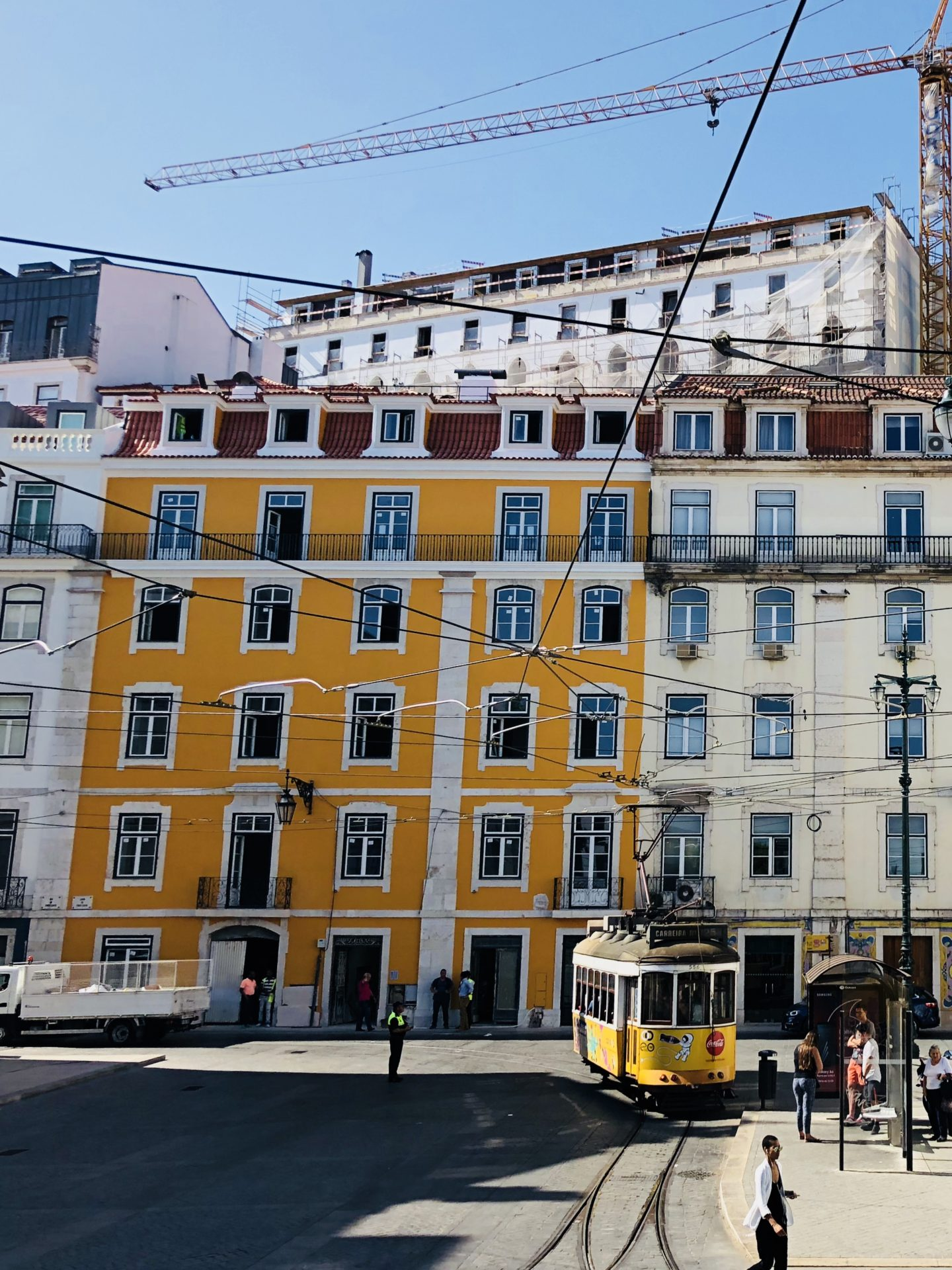 casie stewart, portugal, aeroplan, withaeroplan, lisboa, lisbon, travel brogger, influencer, casiestewart